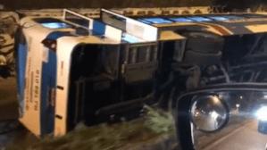 Rio: Ônibus da Viação Nossa Senhora da Penha tomba de viaduto em Deodoro