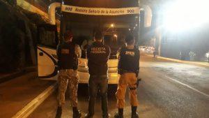 Ônibus da NSA é flagrado em Foz do Iguaçu com fundo falso