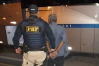 PRF prende homem após esfaquear passageiro da 1001 na Via Dutra
