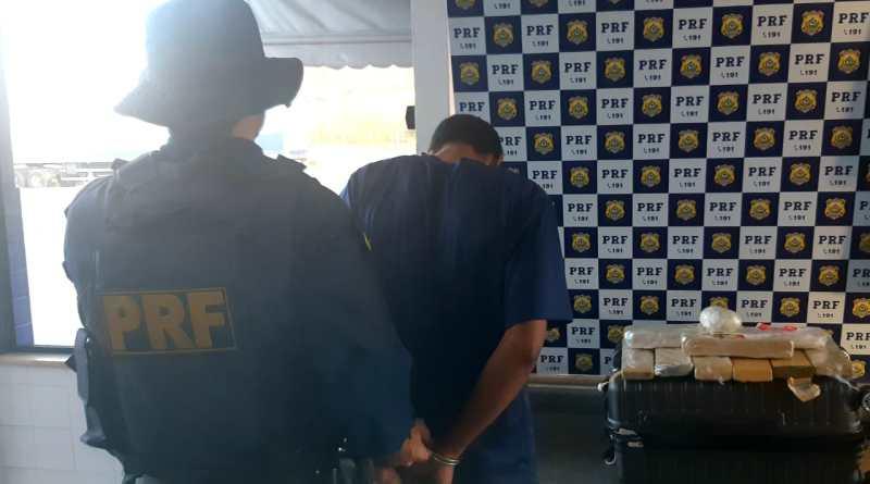 BA: PRF prende passageiro de ônibus em Jequié transportando maconha para o Ceará