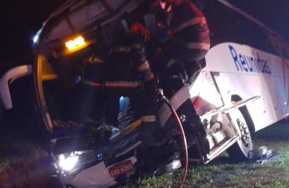 SP: Acidente com ônibus da Reunidas Paulista deixa 9 feridos na rodovia Marechal Rondon