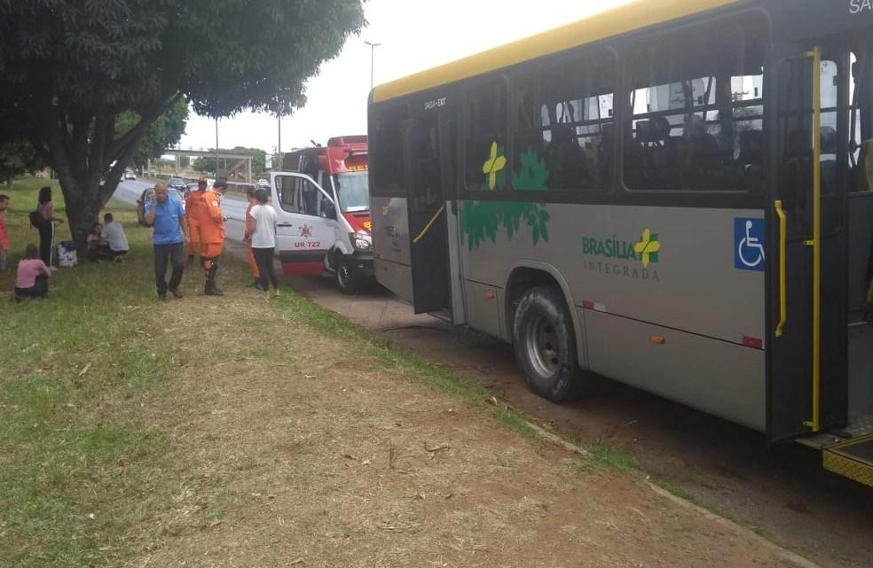 DF: passageiro cadeirante de 57 anos morre baleado durante assalto em ônibus