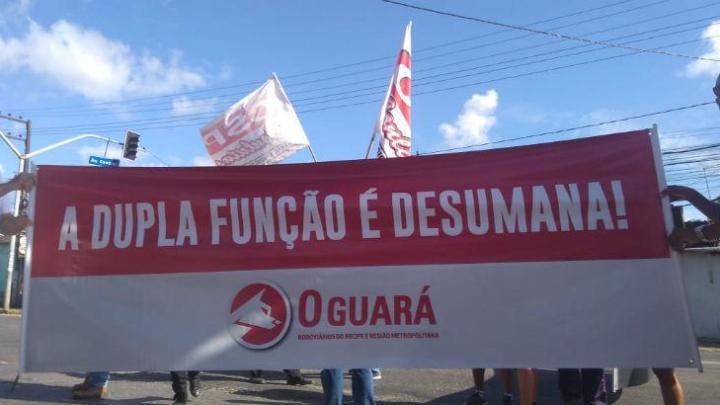 Rodoviários do Recife fazem protesto nesta manhã no bairro do Ibura