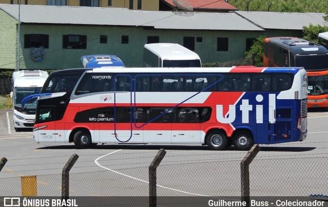 Novo ônibus da Util chama atenção com pintura retrô da Normandy