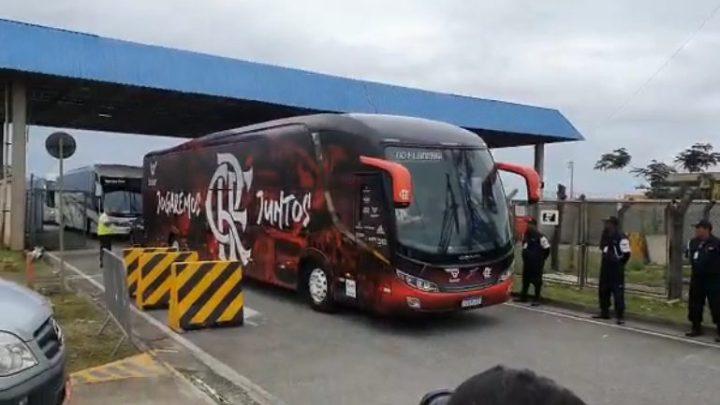 Rio: Witzel embarca em ônibus do Flamengo em direção ao Centro do Rio