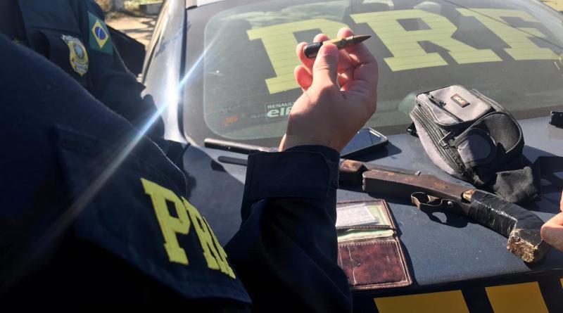 PRF prende assaltantes de ônibus na BR-316 no interior de Alagoas