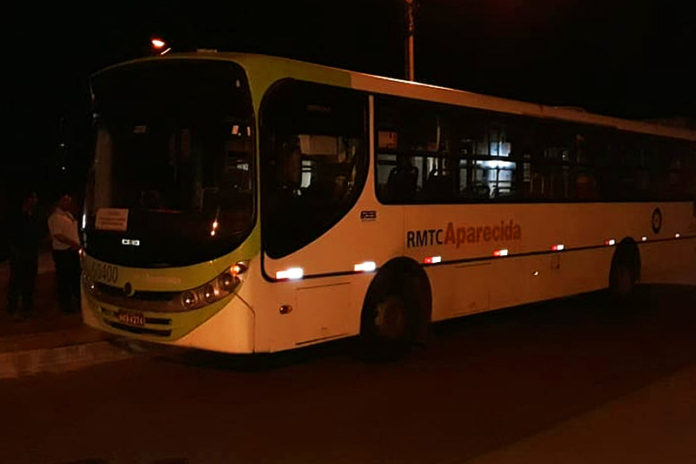 GO: Bandidos fazem arrastão em ônibus de Aparecida de Goiânia