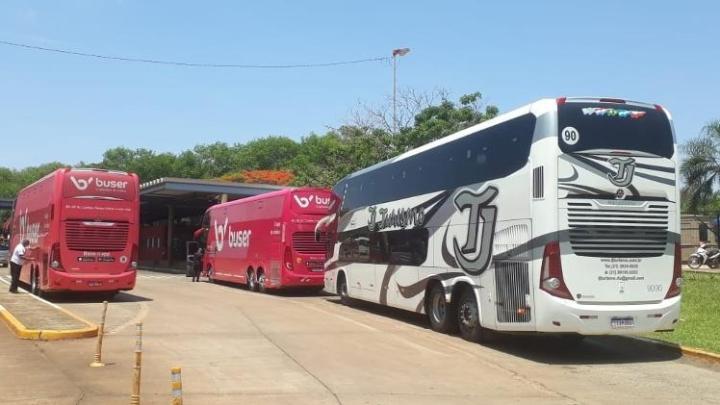 Lima: Ônibus fretado pela Buser apresenta atraso, falta de água, comida e ainda se perde no Peru