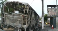 Ônibus é incendiado na Zona Leste de São Paulo