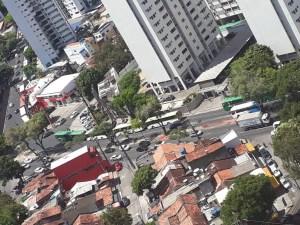 Recife: Protesto deixa ônibus parados na Zona Oeste da cidade