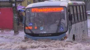 Chuva causa alagamentos nesta segunda-feira no Rio de Janeiro