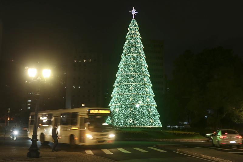 Quase 2 mil pessoas já usaram a Linha Natal em Curitiba