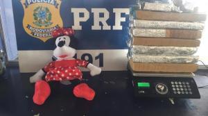 PRF apreende adolescente em ônibus da Eucatur com 15 tabletes de maconha na mochila