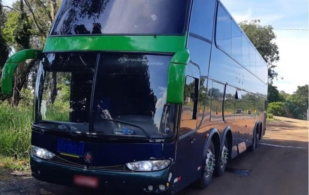 MG: Ônibus da TransBrasil é parado por agentes da PRF na BR-365 por irregularidades
