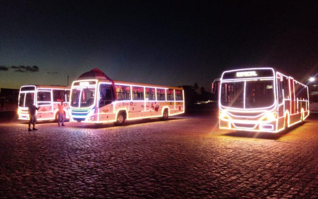 Ônibus da cidade de Maceió recebem, nesta quarta, decoração natalina. Veja as linhas participantes