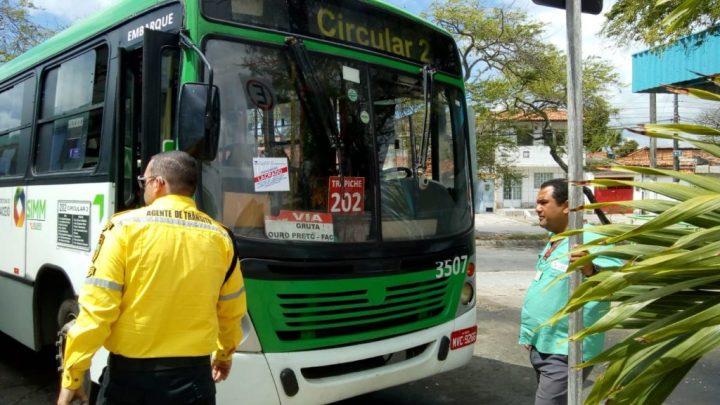 Fiscalização da Prefeitura apreende 15 ônibus em Maceió