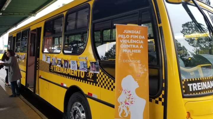 Terminais de ônibus de Jundiaí recebem campanha contra violência à mulher