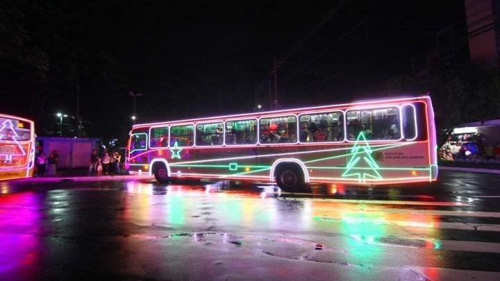 Caravana do Natal Iluminado chega a Zona leste de São José dos Campos