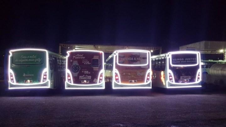 SP: Araraquara ganha ônibus iluminados para celebração do Natal
