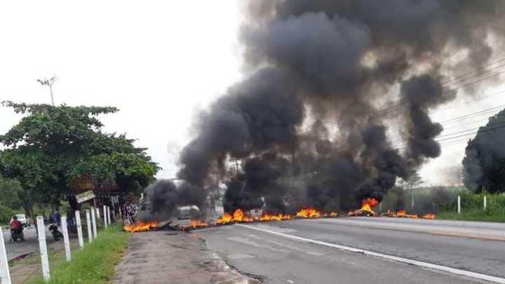 RJ: Protesto fecha a BR-101 em Campos dos Goytacazes nesta sexta-feira 20