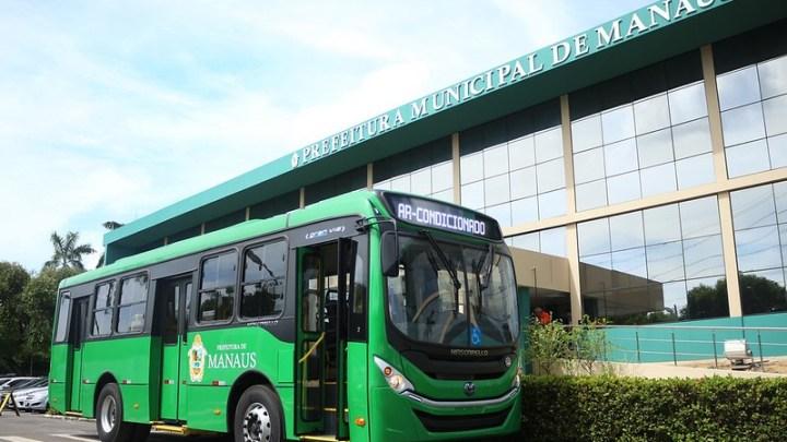 Prefeito de Manaus anuncia compra de 300 novos ônibus urbanos