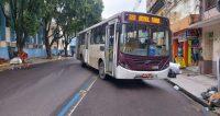 Ônibus da Açaí Transportes quebra e deixa o trânsito complicado em Manaus