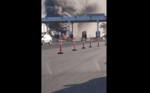 ES: Monobloco pega fogo na Rodovia do Sol em Guarapari na tarde deste domingo 12