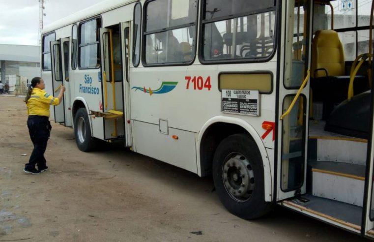 Prefeitura de Maceió realiza Operação em terminais lacra ônibus em situação irregular