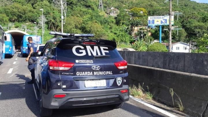 Acidente entre dois ônibus deixa vários feridos em Florianópolis