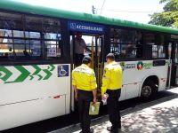 Fiscalização da Prefeitura de Maceió retira 13 ônibus de circulação da empresa São Francisco
