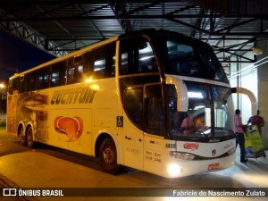 MT: Fiscalização da Ager apreende dois ônibus em nova Mutum por transporte irregular