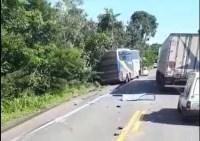 TO: Acidente entre dois ônibus na BR-153 chama atenção por não ter feridos
