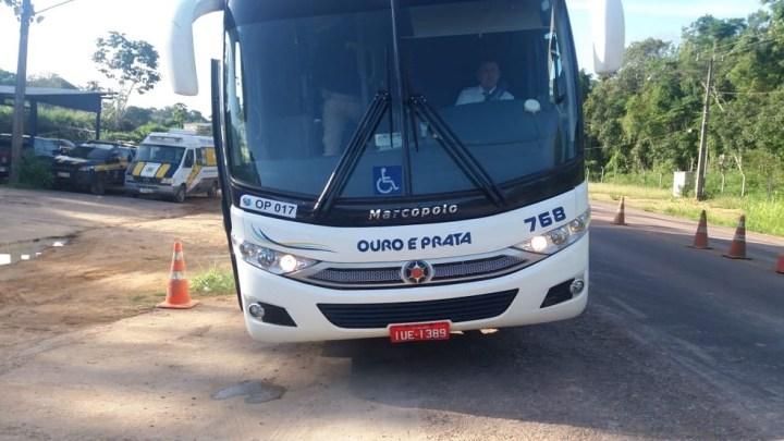 Fiscalização da PRF prende homem com mandado de prisão em aberto em ônibus da Ouro e Prata no Pará