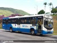 Ônibus urbano tomba com 25 passageiros a bordo na SC-403, em Florianópolis nesta manhã