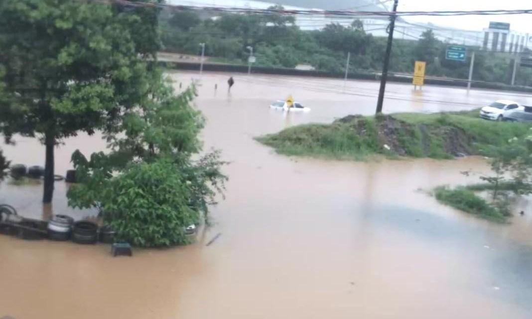 SP: Rodovia Anhanguera segue com pontos de interdições em Cajamar nesta noite