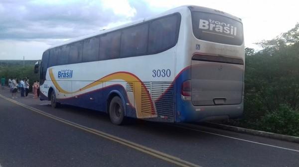 Acidente com ônibus da Trans Brasil deixa um morto no interior do Piauí