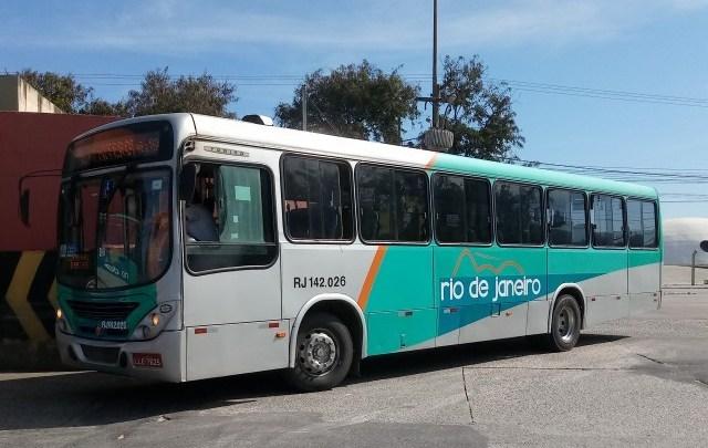 RJ: Acidente com ônibus da Expresso Rio de Janeiro na BR-493 deixa dois mortos e oito feridos