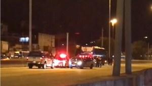 Rio: Avenida Brasil é fechada na noite deste domingo, após ônibus ser sequestrado