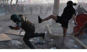 Chile registra cinco mortes após três noites de protestos violentos