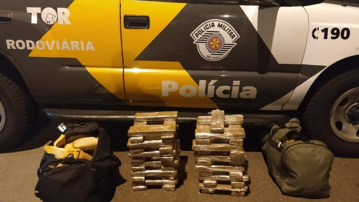 SP: Polícia prende homem com  49 tabletes de maconha escondidos em ônibus da Viação Motta