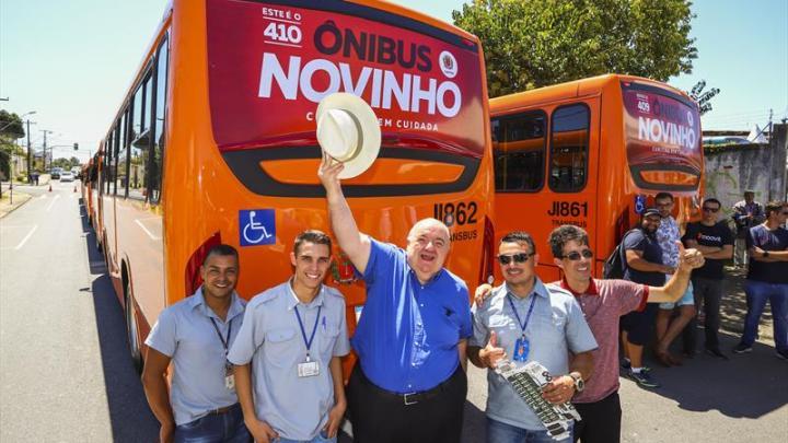 Curitiba recebe mais 10 ônibus novos durante a Exponi 500, aumentando para 410 no total desde 2017