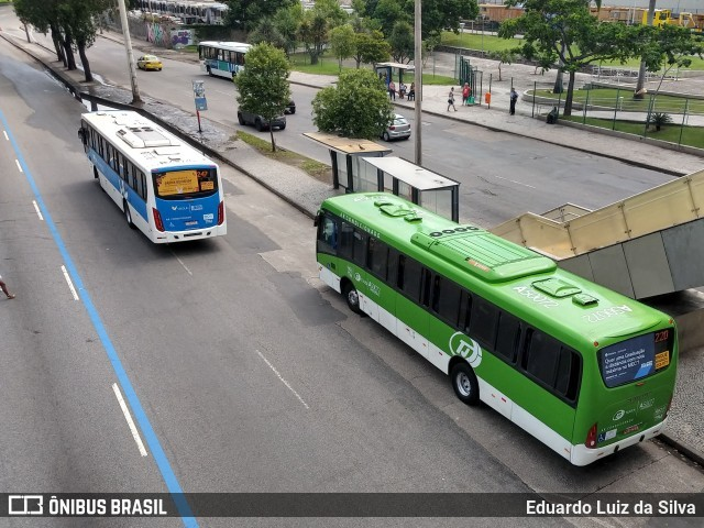 Rio amanhece com frota reduzida de ônibus e parte do comércio reabrindo