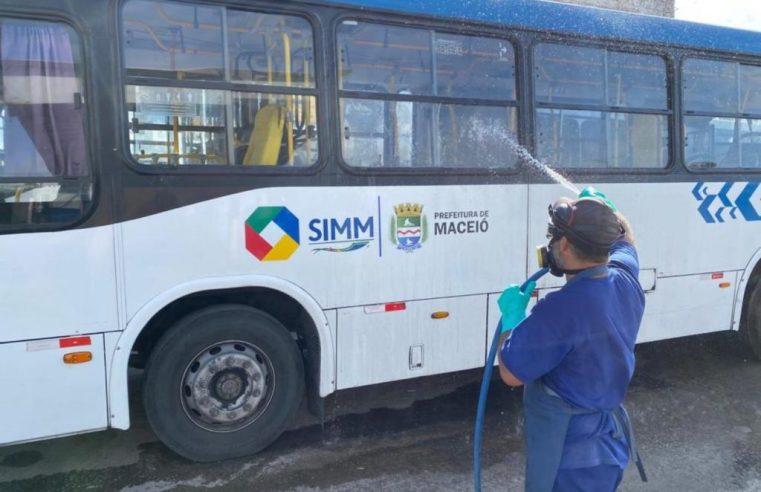 Maceió: Prefeitura termina que empresas distribuam álcool em gel aos rodoviários  para combater o coronavírus