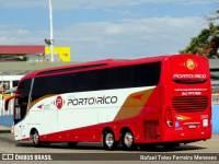 GO: Ônibus da Viação Porto Rico tomba na BR-153 após tentar ultrapassar caminhões