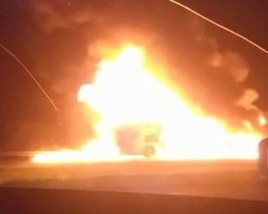 MG: Ônibus da Rode Rotas pega fogo na BR-050 no Triângulo Mineiro