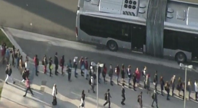 São Paulo amanheceu com longas filas nos ônibus do Paese após segunda semana  de paralisação da linha 15 do Monotrilho