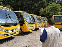 Ipem inspeciona ônibus do transporte escolar em São Paulo