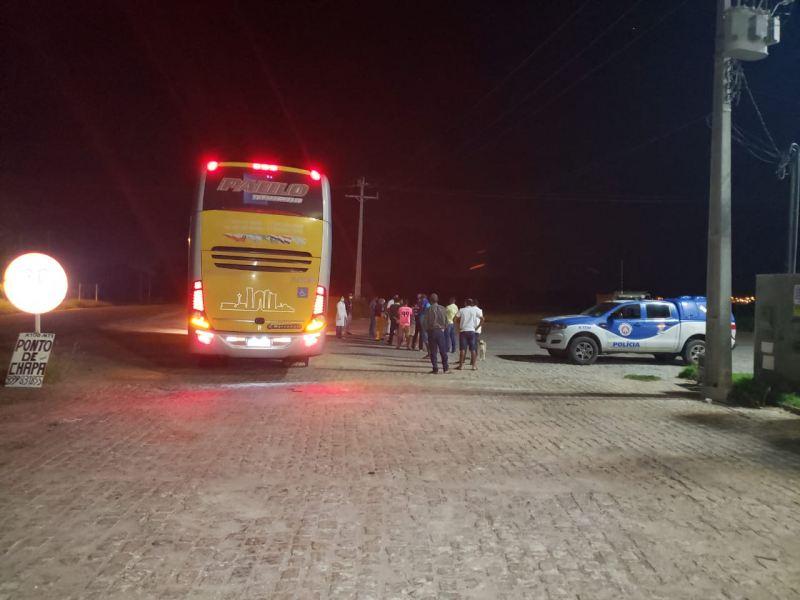 BA: Polícia apreende ônibus na BR-122 com destino a Guanambi