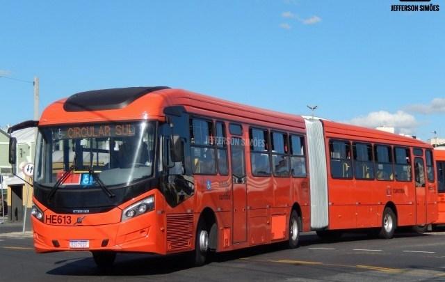 Curitiba: Ônibus sairão com lotação máxima de 50% nos principais terminais