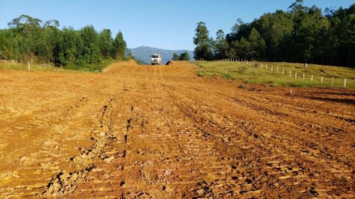 DNIT conclui pavimentação em trecho na Serra da Rocinha/RS/SC e inicia terraplenagem em novo segmento